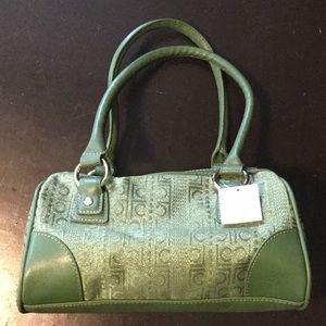 NWT. Liz Claiborne purse.